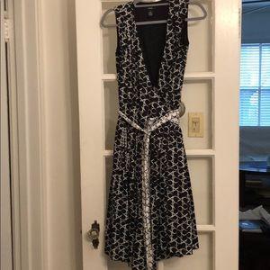 Alfani Size 6 wrap black and white dress